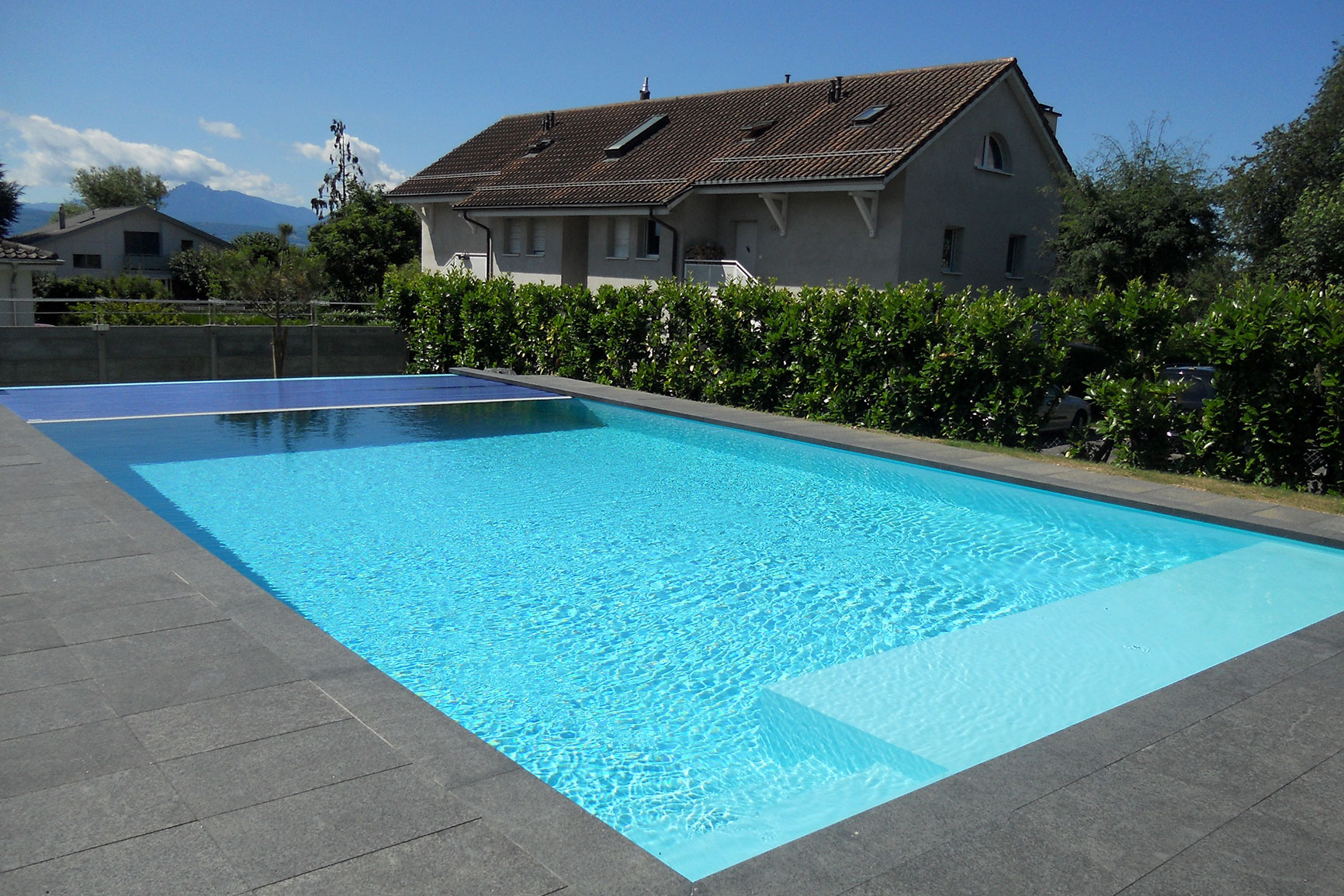 D bordement liner piscines widmer for Piscine miroir avec liner