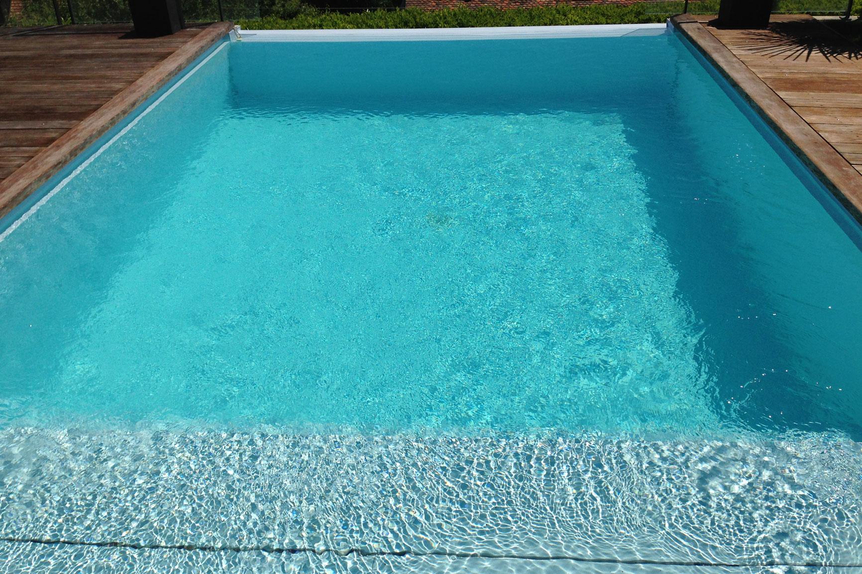 D bordement liner carrelage piscines widmer for Piscine liner ou carrelage
